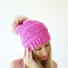 Popular Crochet Little Black Dress Tutorial - Craft & Patterns Slouch Hat Crochet Pattern, Crochet Adult Hat, Crochet Cap, Crochet Beanie, Love Crochet, Knitted Hats, Slouch Hats, Popular Crochet, Unique Crochet