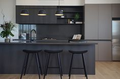 Great Indoor Designs is a Brisbane-based home renovation store with over 24 years experience renovating kitchens & wardrobes and creating custom cabinetry. Kitchen Colors, Kitchen Design, Brisbane, Small American Kitchens, Tropical Kitchen, Yellow Cabinets, Hill Interiors, Custom Cabinetry, Home Renovation