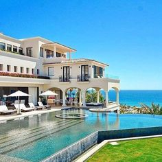That pool though....