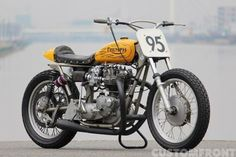 Triumph Bonneville 1970 By Libertaria Hell Kustom Flat Track Motorcycle, Flat Track Racing, Tracker Motorcycle, Cafe Racer Motorcycle, Motorcycle Style, Bmw Motorcycles, Triumph Motorcycles, Vintage Motorcycles, Cafe Racer Bikes