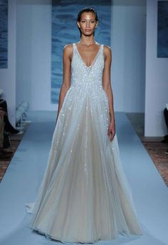 Tendenza abiti da sposa azzurri 2016 - Mark Zunino abito azzurro