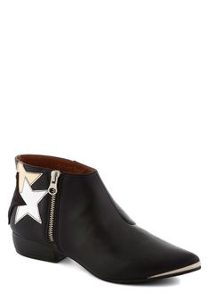 Lucky Starburst Bootie. Add charm to any ensemble with these slick, side-zipped black booties! #black #modcloth