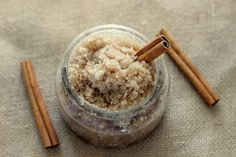 DIY Skin Exfoliation Recipes ~ Cinnamon sugar scrub that will have your skin and bathroom smelling lovely Beauty Care, Diy Beauty, Beauty Hacks, Beauty Tips, Diy Body Scrub, Diy Scrub, Homemade Scrub, Diy Spa, Beauty Recipe