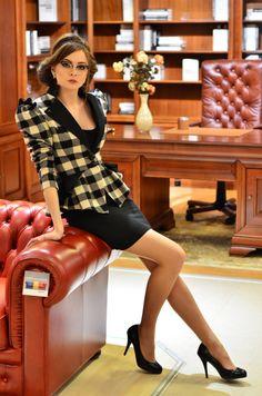 Enia jacket by LauraGalic on Etsy Young Fashion, Girl Fashion, Fashion Dresses, Love Fashion, Vintage Fashion, Womens Fashion, Office Fashion, Business Fashion, Business Attire