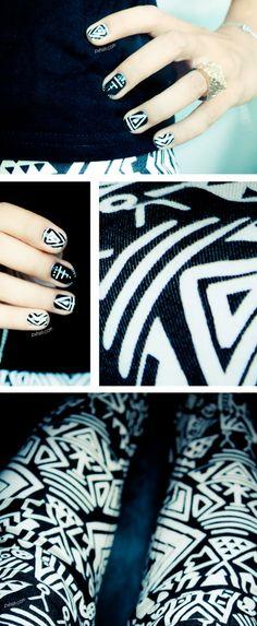 Graphic ethnic Nail art My favorit