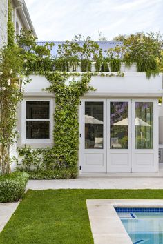 Designer: Tirzah Stubbs Style: Classical Garden Type: Private Garden Garden Types, Private Garden, South Africa, Gardens, Outdoor Decor, Design, Style, Swag, Outdoor Gardens