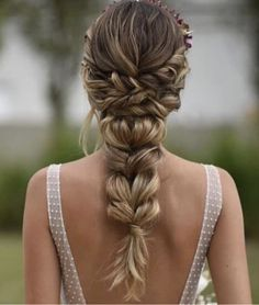 hair natural wedding hair updos hair styles for long hair down hair jewellery hair curly wedding hair in wedding hair wedding hair dos Bridesmaid Hair, Prom Hair, Wedding Hair And Makeup, Bridal Hair, Bridal Braids, Hair Wedding, Wedding Dresses, Wedding Table, Bride Hairstyles