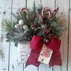 Christmas Door Decor Holiday Basket Retro by SavannahsCottage