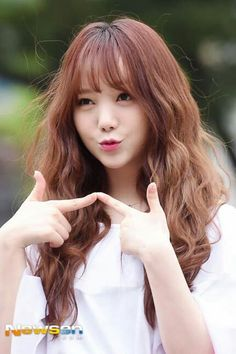 Lovelyz Kei Hip Hop Fashion, Korea Fashion, South Korean Girls, Korean Girl Groups, Lovelyz Kei, Korean Makeup, First Girl, Kpop Girls, Korea Style