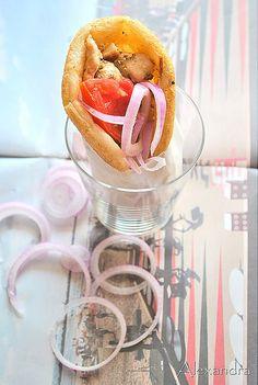 Γύρος κοτόπουλο Greek Recipes, My Recipes, Cooking Recipes, Recipe Collection, How To Cook Chicken, Turkey, Candy, Meals, Blog