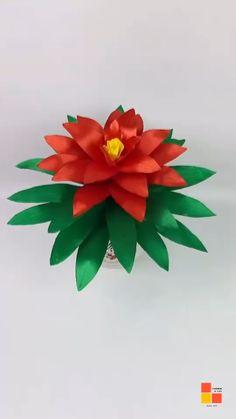 Cloth Flowers, Diy Flowers, Fabric Flowers, Rose Crafts, Flower Crafts, Fun Diy Crafts, Creative Crafts, Decorative Paper Crafts, Paper Flowers Craft