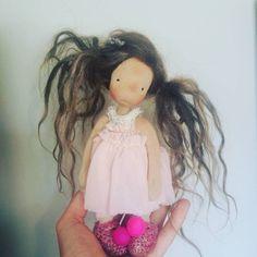hollylaine  #lilchickpeadolls #lilchickpea #handmade #handmadedoll #dollmaker # art doll #naturalfiberartdoll #dowhatyoulove #madefromtheheart Lace Balloons, Creatures 3, Tiny Dolls, Doll Maker, Waldorf Dolls, Hello Dolly, Handmade Dolls, Soft Sculpture, Felt Animals