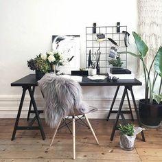 """""""Home Office clean, minimalista e inspirador. Fonte: Pinterest #decor #decoracao #decoração…"""""""