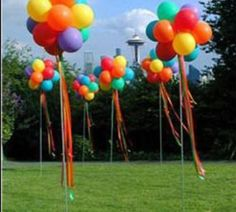 balloon topiaries--for Kaitlyn's carnival Bday!