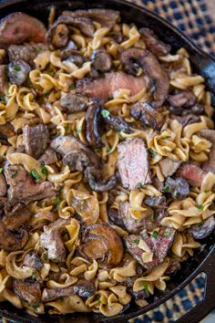Quick and EASY Beef Stroganoff in just 30 minutes with a creamy sour cream mushroom gravy, egg noodles and crazy tender steak that's still cooked to a medium doneness, it's the perfect weeknight meal! Ground Beef Stroganoff, Leftover Steak Stroganoff Recipe, Meatball Stroganoff, Beef Stroganoff Recipe Without Sour Cream, Chicken Stroganoff, Beef Dishes, Pasta Dishes, Casserole Taco, Steak Recipes