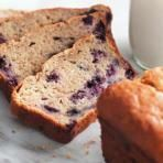Best Ever Banana Bread Recipe Baked By An Intovert. Buttermilk Banana Cake Recipe With Vanilla Buttermilk . The BEST Banana Bread And This One Has Chocolate Chips! Home and Family No Yeast Bread, Yeast Bread Recipes, Banana Bread Recipes, Muffin Recipes, Breakfast Recipes, Brunch Recipes, Vegetarian Breakfast, Loaf Recipes, Freezer Recipes