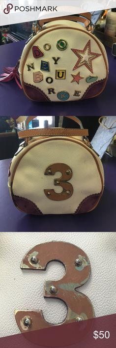 Auth Dooney & bourke vintage purse crossbody Auth Dooney and bourke purse super cute handbag  can easily convert into a messenger bag by adding a strap bag has 2-3 spots number 3 on back has some scraping dooney and bourke Bags Crossbody Bags