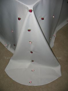Dress up a plain table linen!