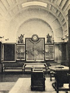 Staroměstská radnice Praha-Mramorem obložená čekárna v prezidiální části novogotického křídla. Jejím architektem byl Pavel Janák
