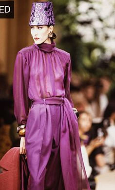 Juillet 1989. Haute couture hiver 1989/90. Getty Images.