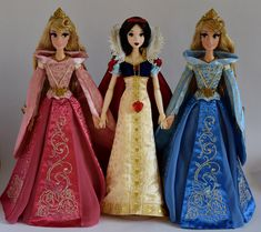 Snow White Welcomes Pink and Blue Aurora - Limited Edition 17'' Dolls - Full Front View | Flickr - Photo Sharing!