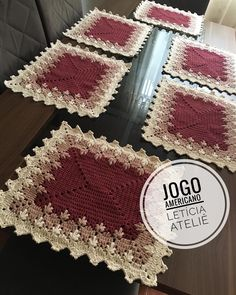 Crochet Placemat Patterns, Sewing Patterns, Crochet Home, Knit Crochet, Cross Stitch Embroidery, Cross Stitch Patterns, Christmas Dining Table, Bruges Lace, Crochet Projects