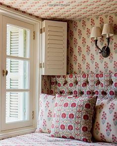 Alidad: The Timeless Home: Min Hogg, Sarah Stewart-Smith, James McDonald ~ love this bedroom nook or attic