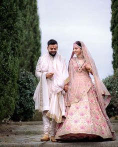 Are you looking for bridal lehenga designs photos for reception and wedding? Here is a latest 2018 & 2019 collections of bridal lehenga images. Sabyasachi Wedding Lehenga, Pink Bridal Lehenga, Floral Lehenga, Bollywood Lehenga, Wedding Sherwani, Indian Bridal Lehenga, Bollywood Wedding, Anarkali, Sherwani Groom