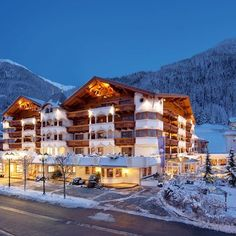 Here your skiing holiday in Ischgl becomes an unforgettable experience.  Trofana Royal in Ischgl is Austria's only 5-star superior hotel with 3 Gault Millau toques.