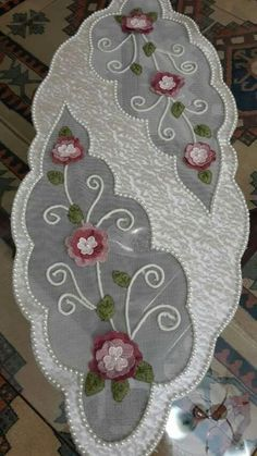 This Pin was discovered by İfa Cd Crafts, Jute Crafts, Fabric Crafts, Diy And Crafts, Ribbon Embroidery, Embroidery Stitches, Embroidery Designs, Felt Cushion, Linens And Lace