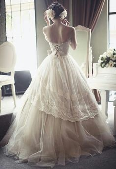 Lace, tulle, corset