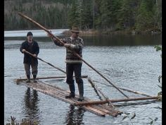 One of the best videos I've seen on making a raft! Bushcraft Gear, Bushcraft Camping, Camping Survival, Survival Prepping, Emergency Preparedness, Survival Skills, Survival Bow, Make A Boat, Primitive Survival