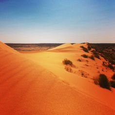 17 captivating outback photos from Birdsville and the Simpson Desert [gallery] Wind World, Caravan Hire, Clear Night Sky, Old Pub, 7 Continents, Stargazing, Places To Travel, The Good Place, Camp Chairs