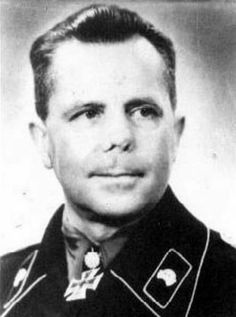 General der Panzertruppe Heinrich Kurt Alfons Willy EBERBACH (24 November 1895 – 13 July 1992) captured by British troops at Amiens 1 August 1944 and held as prisoner-of-war until 1948. Knight's Cross on 4 July 1940 as Oberstleutnant and commander of Panzer-Regiment 35; 42nd Oak Leaves on 31 December 1941 as Oberst and commander of the 5. Panzer-Brigade