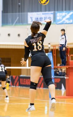 Volleyball Setter, Female Volleyball Players, Volleyball Shorts, Women Volleyball, Gymnastics Pictures, Volleyball Pictures, Cheer Pictures, Beautiful Athletes, Sporty Girls