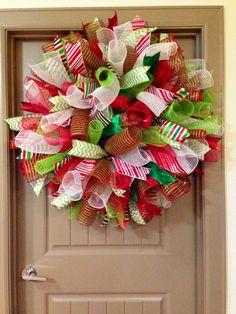 Curly deco mesh Christmas wreath