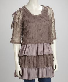 Supple linen lends luxe appeal to this exquisitely ethereal ensemble. Composed of a tantalizing tiered tunic and an airy button-sleeve sweater, this stylish set delivers a darling dose of feminine flair. Lilac, Mauve, T Shirt And Jeans, Boho Fashion, Boho Chic, Feminine, Tunic Tops, Stylish, My Style