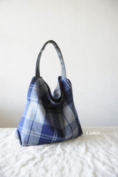 Creative Bag, Clothes Crafts, Fabric Bags, Purses And Bags, Sewing Patterns, Tote Bag, Fashion, Handmade Bags, Throw Pillows