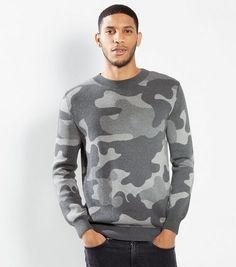 Pull gris à imprimé camouflage