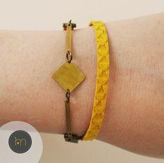 Bracelet jaune tendance géométrique en suédine par Mujali sur Etsy