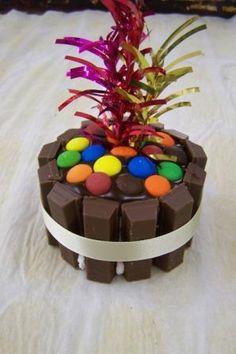 mini kit kat cake