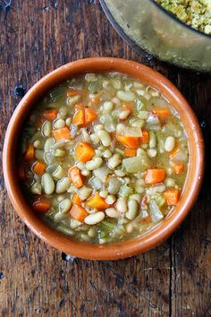 Slow-cooker flageolet beans with carrots and celery