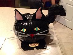 Pumpkin decoration: black cat. Great school project with my daughter!