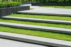 Garden & Landscape Design By Professional Designers Who Understand Design Using Inspiration to Create Wonderful Gardens. English Garden Design, Modern Garden Design, Garden Landscape Design, Contemporary Landscape, Patio Design, Fence Design, Landscape Pavers, Landscape Stairs, Modern Landscaping