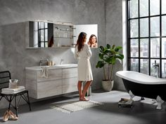 The Exclusive XL is for those who are looking for a contemporary bathroom cabinet and wish to give their bathroom an individual style. Bathroom Furniture, Wooden Bathroom, Clawfoot Bathtub, Kitchen Styling, Contemporary, Cabinet, Bathroom Makeovers, Bathing, Wood Bathroom