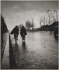 Robert Doisneau Paris, 1944 Thanks to undr