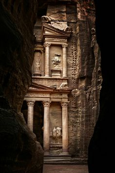 Petra >> exquisite and amazing! do love Petra Great Places, Places To See, Beautiful Places, Places Around The World, Around The Worlds, Ancient Ruins, Amman, Architecture, Wonders Of The World