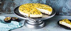Pääsiäisen juustokakussa maistuvat mango- ja passionhedelmä. Raikas kakku kuorrutetaan appelsiinisella passionkiilteellä. Noin 0,70 €/annos