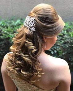 Discover penteadossonialopes's Instagram Amooo ❤️❤️ #PenteadosSoniaLopes ✨ . . . #sonialopes #cabelo #penteado  #noiva #noivas #casamento #hair #hairstyle #weddinghair #wedding #inspiration #instabeauty #beauty #penteados #novia #tranças #inspiração  #tutorial #tutorialhair  #lovehair #videohair  #curl #curls #trança #cabeleireiros #peinado 1614728640759048205_1188035779