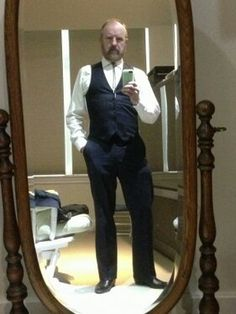 """Jim Beaver tweet : """"Wardrobe for today's pilot test. Nice to be playing something different for a change."""" But you're BOBBY! You can't be anyone else :("""